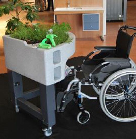 jardiniere sur pied fauteuil roulant